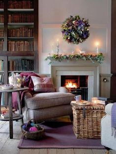 Love this from Provence Mon Amour  #Christmas #Mantels @TheDailyBasics ♥♥♥