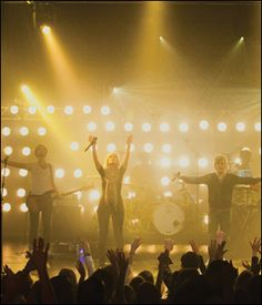 worshiping Jesus with Elevation Worship