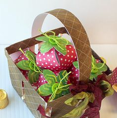A very Cricut basket of strawberries! Basket and strawberries from the Spring Cottage Cartridge