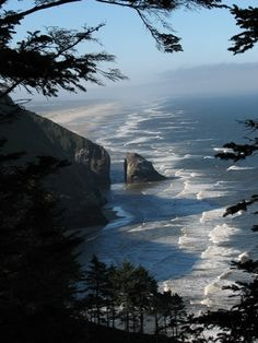 Oregon Coast...Can't believe I live in Idaho and I've never been to the Oregon coast!  On my bucket list...