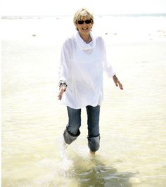 Beach Ageing, Jeans And Boots, Beach, Mens Tops, T Shirt, Fashion, Coming Of Age, Moda, Tee Shirt