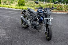 Yamaha MT15 Review: Alien Faced Street Fighter Mt Bike, Bike Pic, Hulk Man, Mt 15, Hero Motocorp, Street Fighter Motorcycle, Duke Bike, Racing Stickers, Matt And Blue