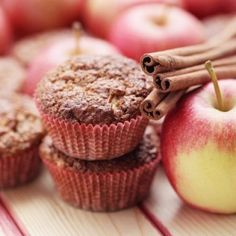 Cupcakes μήλο κανέλα | Κλινικός Διαιτολόγος MSc Θεσσαλονίκη Easy Soup Recipes, Apple Recipes, Fall Recipes, Apple Chips, Baked Apples, Tasty, Snacks, Healthy, Food
