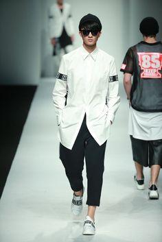 HUI by Eran Hui Spring/Summer 2016 - Shanghai Fashion Week | Male Fashion Trends