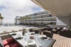 MAUI APARTMENT   Imagina contemplar los amaneceres y las puestas de sol desde los 102m2 de terraza de este exclusivo apartamento ubicado en el edificio Ibiza Royal Beach. Sus 107m2 ofrecen todo el confort y equipamiento necesario para una estancia inolvidable. #ibiza #ibizaluxury #luxury #apartments