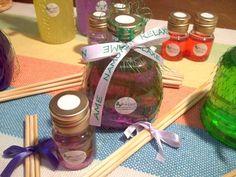 Aromatizador de Varetas no aroma de sua preferência.   Seu ambiente envolvente e aconchegante!!! Peça já o seu!!  ***Consulte nossas opções para Lembrança de Aniversário, Casamento, Chá de bebêe comemorações em geral. R$25,00