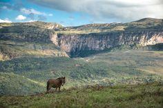 Serra do Tabuleiro - Paredão da Serra do Tabuleiro em Minas Gerais.