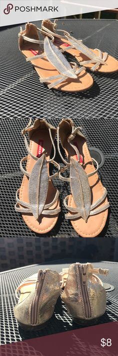 UNION BAY DRESS SANDALS WITH LEAF DESIGN Union bay flat sandals with leaf Detail. Straps are gold, and leaf has silver jewels. Only worn 3 times!    •Reasonable Offers will be accepted!  •Not open to trades!  •Bundle 3+ items to get 25% off entire bundle. •Comment any questions! UNIONBAY Shoes Sandals