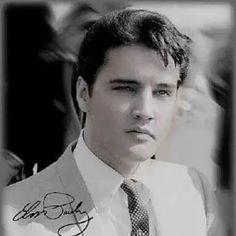 Always on My Mind - Elvis Presley Priscilla Presley, Elvis Presley Pictures, Young Elvis, Graceland, American Singers, Belle Photo, My Idol, Movie Stars, Rock And Roll