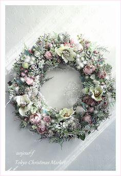 Dried Flower Wreaths, Dried Flowers, Diy Wreath, Door Wreaths, Cozy Christmas, Christmas Wreaths, Fleurs Diy, How To Make Wreaths, Floral Arrangements