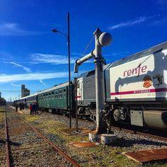 La antigua aguada y el #tren Prestige. Estación Arroyo-Malpartida. #ffccExtremadura
