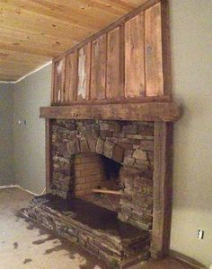 20 Living Space Layouts with Fireplaces Reclaimed Wood Fireplace, Farmhouse Fireplace Mantels, Rustic Fireplace Mantels, Fireplace Shelves, Brick Fireplace Makeover, Custom Fireplace, Home Fireplace, Fireplace Remodel, Fireplace Design