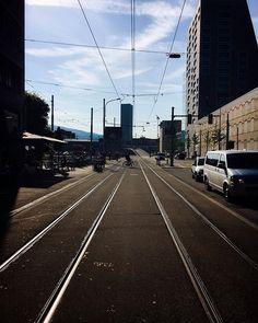 . 👉🏼#öisekreisföif . . Nur ein Wonnemonat im Jahr? .. uns reicht das nicht!. ☀️✨. . . Railroad Tracks, Instagram Posts, Train Tracks