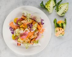 Celebrate the season with our easy recipe for pinzimonio, a colorful Italian salad that calls for the crunchiest local produce. Tuscan Salad, Italian Salad Recipes, Bolognese Recipe, Vegetable Seasoning, Vegetable Recipes, Vegetable Salad, World Recipes, Whole 30 Recipes, Food Presentation