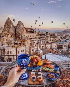 *In the second place of my travel list for this year is Capadocia,Turkey.I find it magical and hopefully i would have the opportunity to be there this year. Romantic Places, Beautiful Places To Travel, Turkey Destinations, Travel Destinations, Istanbul Travel, Cappadocia Turkey, Reisen In Europa, Destination Voyage, Turkey Travel