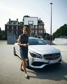 Elegant and expressive: The newly designed Mercedes-Benz CLA Coupé fits perfectly with fashionable Lisa Banholzer. Mercedes Benz, Mercedes Models, Lux Cars, Photos Tumblr, Car Girls, Blogger Bazaar, Discovery, Photoshoot, Urban