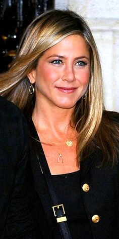 JENNIFER ANISTON'S PENDANTS photo | Jennifer Aniston