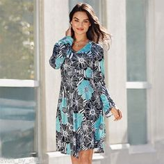 Avon What's New Campaign 8 2016 brochure online introduces a new clothing line, Avon Signature Collection. Check out what else is new at Avon. Avon Clothing, Avon Fashion, Midi Flare Skirt, Midi Skirts, Shops, Bell Sleeve Dress, Bell Sleeves, Signature Collection, New Dress