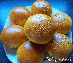 Betty hobbi konyhája: Hamburgerzsemle öregtésztával Bread, Food, Cooking, Brot, Essen, Baking, Meals, Breads, Buns