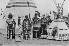 Blackfoot ( Kainai ) group in Alberta - 1910