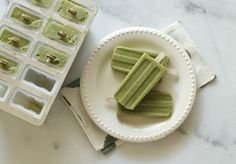 Green Smoothie Popsicles | Pretty Yummy!