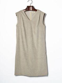 GREEN DALE GARNET - V-Neck Sleeveless Dress