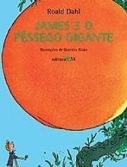 Depois que seus pais são atropelados por um rinoceronte, James vai morar com duas tias velhas e horrorosas em uma casa no alto de um morro. Certo dia, em uma árvore seca do jardim, nasce um enorme pêssego, habitado por estranhos insetos tamanho família. Com esses bizarros amigos, James parte para loucas aventuras em uma viagem transatlântica rumo a Nova York a bordo do pêssego gigante