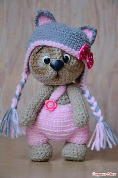 Amigurumi Toys Knitting is called minds, scarves, berets come to mind. now you have a different option: amigurumi. Crochet Diy, Crochet Design, Chat Crochet, Crochet Mignon, Crochet Amigurumi, Crochet Bear, Love Crochet, Crochet For Kids, Amigurumi Doll