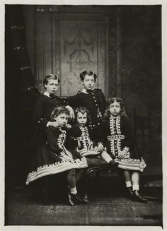 The children of Edward VII and Alexandra of Denmark. Prince Albert Victor, George V, Princess Louise, Princess Victoria, and Queen Maud of Norway