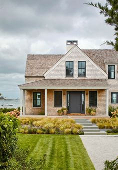 Nantucket Home, Modern Farmhouse Exterior, Indoor Outdoor Living, Maine House, My Dream Home, Exterior Design, Future House, Decoration, Beautiful Homes