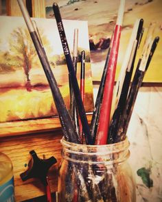 Brushes patiently waiting for their turn