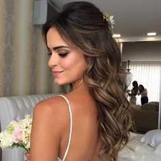Fantastic Screen Bridesmaid Hair long Thoughts Maid-matron of honour hair-styles may be tough since all of your current ladies should have unique Easy Formal Hairstyles, Wedding Hairstyles For Long Hair, Wedding Hair And Makeup, Bride Hairstyles, Down Hairstyles, Bridal Hair, Hair Makeup, Prom Hairstyles Half Up Half Down, Half Up Half Down Wedding Hair