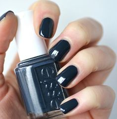 Wearing Essie Bobbing For Baubles  I love this dusty navy blue! Check my blog to read about the formula {link in bio} #essieenvy #nailblogger