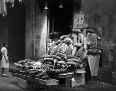 bakery -  Napoli, esposizione di pane, tortani e casatielli  Fondo Troncone  1933