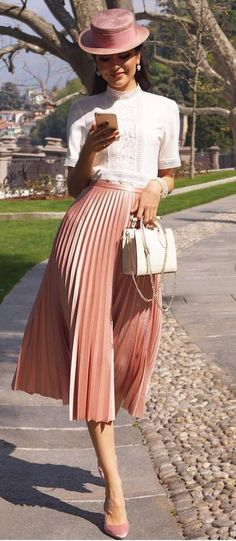 romantic spring outfit idea : pink hat + blouse + midi skirt + heels + bag
