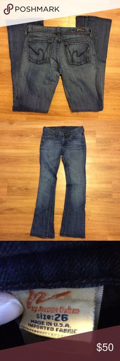 CITIZENS OF HUMANITY FLARE JEANS Citizens of humanity low rise flare jeans. EUC Citizens Of Humanity Jeans Flare & Wide Leg