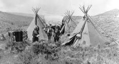 Arapahoe Camp Near Casper, Wyoming along the Oregon Trail Native American Images, Native American Beauty, Native American Tribes, Native American History, American Indians, First Nations, Old Pictures, Old Photos, Nebraska