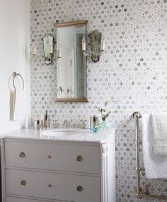 Une salle d'eau classique
