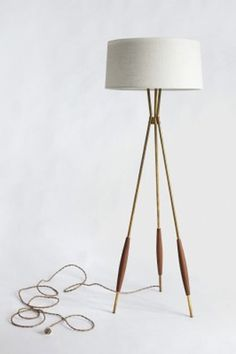 Tripod table lamp target - 1000 Ideas About Floor Lamp Makeover On Pinterest Floor