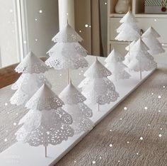 Le Frufrù: Un bosco di alberi di carta per il centrotavola