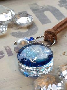 『小さな海切りレジンのネックレス』