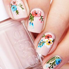 Super Pretty Flower Nail Designs To Copy ★ See more: http://glaminati.com/flower-nail-designs/ #summernails