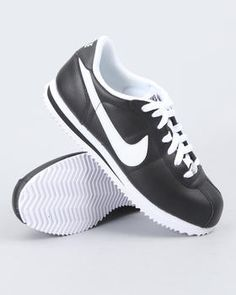 Classic #Nike Cortez sneakers :)