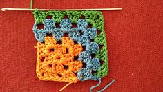 crochet kalaakari: Mitered granny square free pattern Granny Square Crochet Pattern, Afghan Crochet Patterns, Crochet Squares, Stitch Patterns, Crochet Blocks, Granny Squares, Scrap Yarn Crochet, Crochet Quilt, Bead Crochet