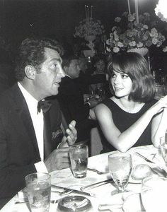 Dean Martin and Natalie Wood late Hollywood Life, Vintage Hollywood, Hollywood Stars, Classic Hollywood, Hollywood Party, Natalie Wood, Dean Martin, Le Talent, Splendour In The Grass