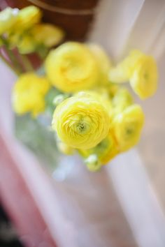 Ranunculus remains a popular wedding flower - and for good reason! This stunning wholesale flower is available in a variety of colors year-round at GrowersBox.com!