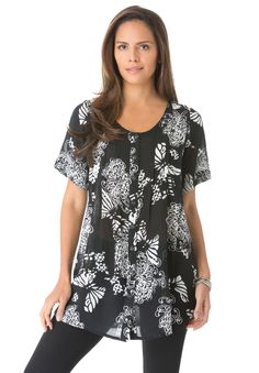 A gauze top with a button front, the Angelina plus size tunic helps you beat the heat. #dressforsuccess #office #outfit #plussize