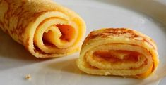Had your fill of bacon and eggs? How about sweet, soft, buttery crepes with a warming cinnamon flavour? These easy to make, hassle free, crepes are just what the keto coach ordered! Breakfast Crepes, Sweet Breakfast, German Breakfast, Lunch Snacks, Cheesecake Frito, Cupcakes Keto, Food Business Ideas, Keto Cream, Beignets