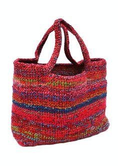 Crochet bag, made by Ella Kolanowska