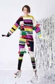 블록 See the complete and suddenly knits out of nowhere Ports 1961 Pre-Fall 2016 collection. Fall Fashion 2016, Fashion Week, Fashion Show, Runway Fashion, Leggings, Vogue Paris, Colorful Fashion, Fall 2016, Knitwear